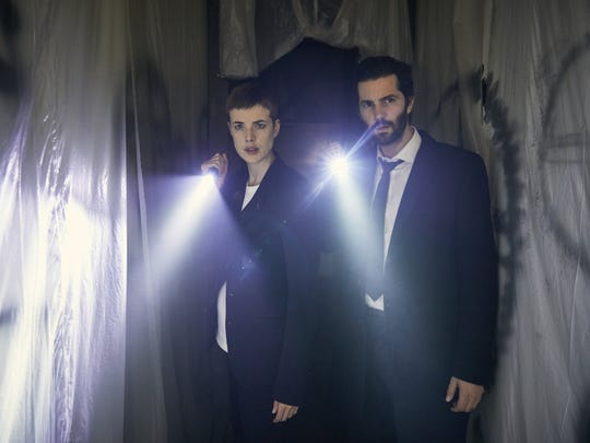 Detectives Elaine Renko (Agyness Deyn) and Charlie Hicks (Jim Sturgess) struggle to enforce the law at the end of the world in Hulu's 'Hard Sun.'