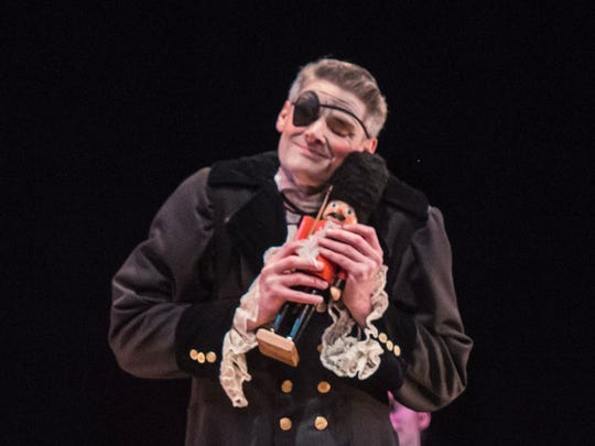 Drosselmeyer is played by Ian Kimble.