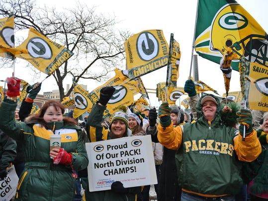 Packers fans.jpg
