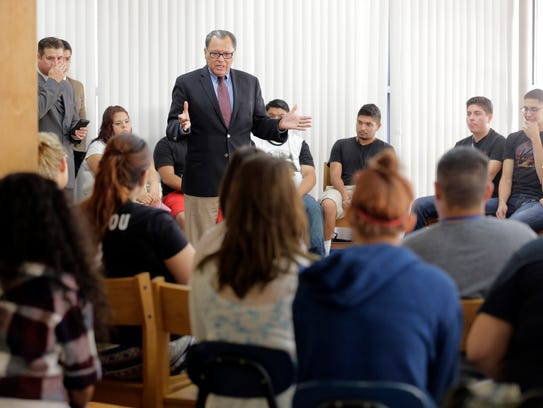 State Sen. José Rodríguez and members of his Student