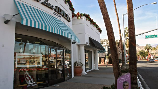 Located on El Paseo for more than 30 years, DeLuca Jewelers will close its doors.