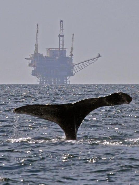 -TDSBrd_09-09-2013_DesertSun_1_A002~~2013~09~08~IMG_-Offshore_Fracking_C_1_1.jpg