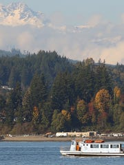 The Admiral Pete heads for the Port Orchard dock as