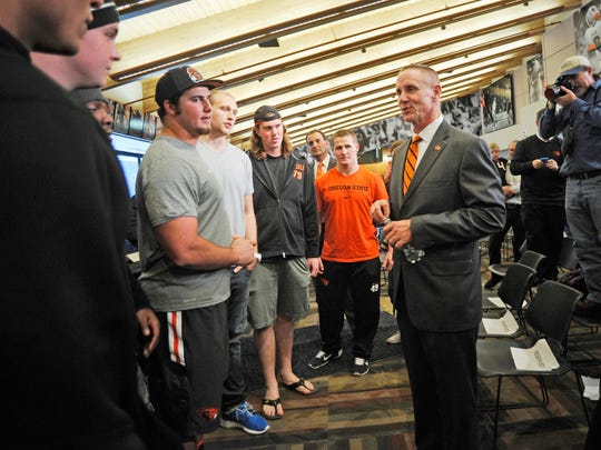 Oregon State coach Gary Andersen meets face-to-face