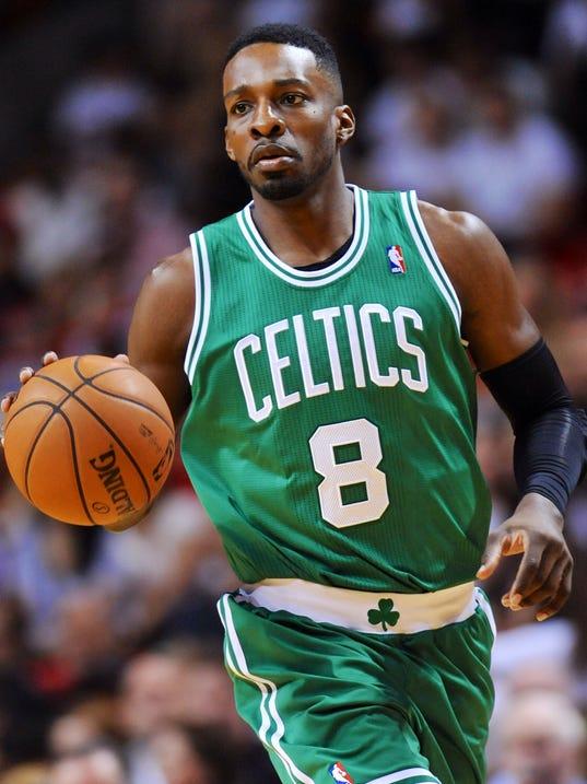 Celtics edge Heat on Jeff Green's buzz-beater
