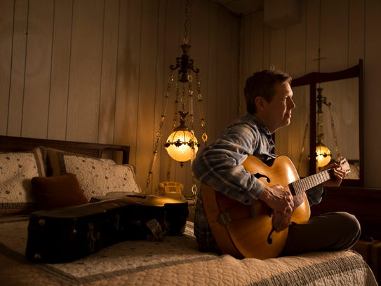 The Robbie Fulks Band plays Friday at the University