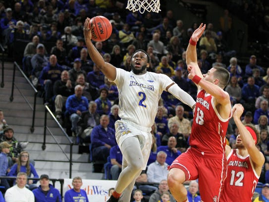 South Dakota State's Tevin King (2) scores on a layup