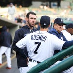 Detroit Tigers' pitcher Justin Verlander talks with manager Brad Ausmus during the game against Oakland Athletics at Comerica Park in Detroit on Monday, April 25, 2016.