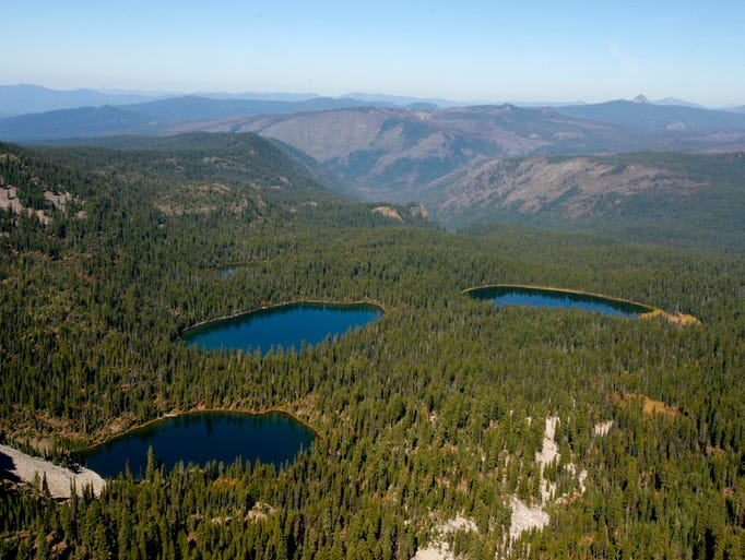 A view of the Seven Lakes Basin (though not all seven lakes) from the summit of Devils Peak in the Sky Lakes Wilderness.