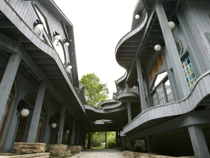 The Most Craptastic House In The History Of Houses Now On
