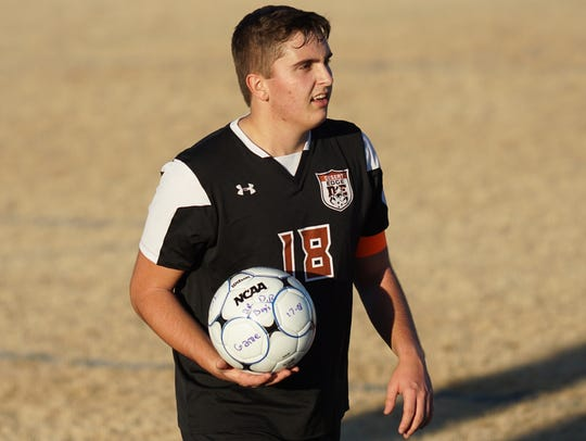 Goodyear Desert Edge senior soccer player Jonathan