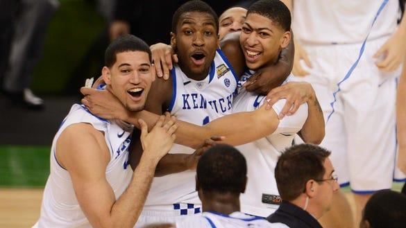 USP NCAA BASKETBALL: DIVISION I CHAMPIONSHIP-KANSAS VS KENTUCKY S BKC USA LA
