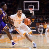 UT Vols basketball holds off Lipscomb to move to 7-1