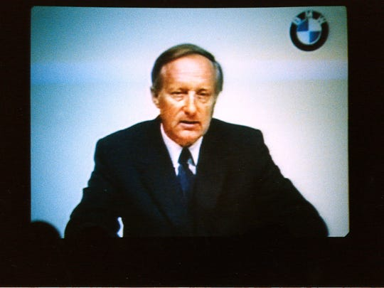 Dr. Eberhard von Kuenheim, then chairman of the executive board of the BMW Group, announces via video conference in June 1992 that BMW will build its first full manufacturing site outside of Germany in Spartanburg, South Carolina.