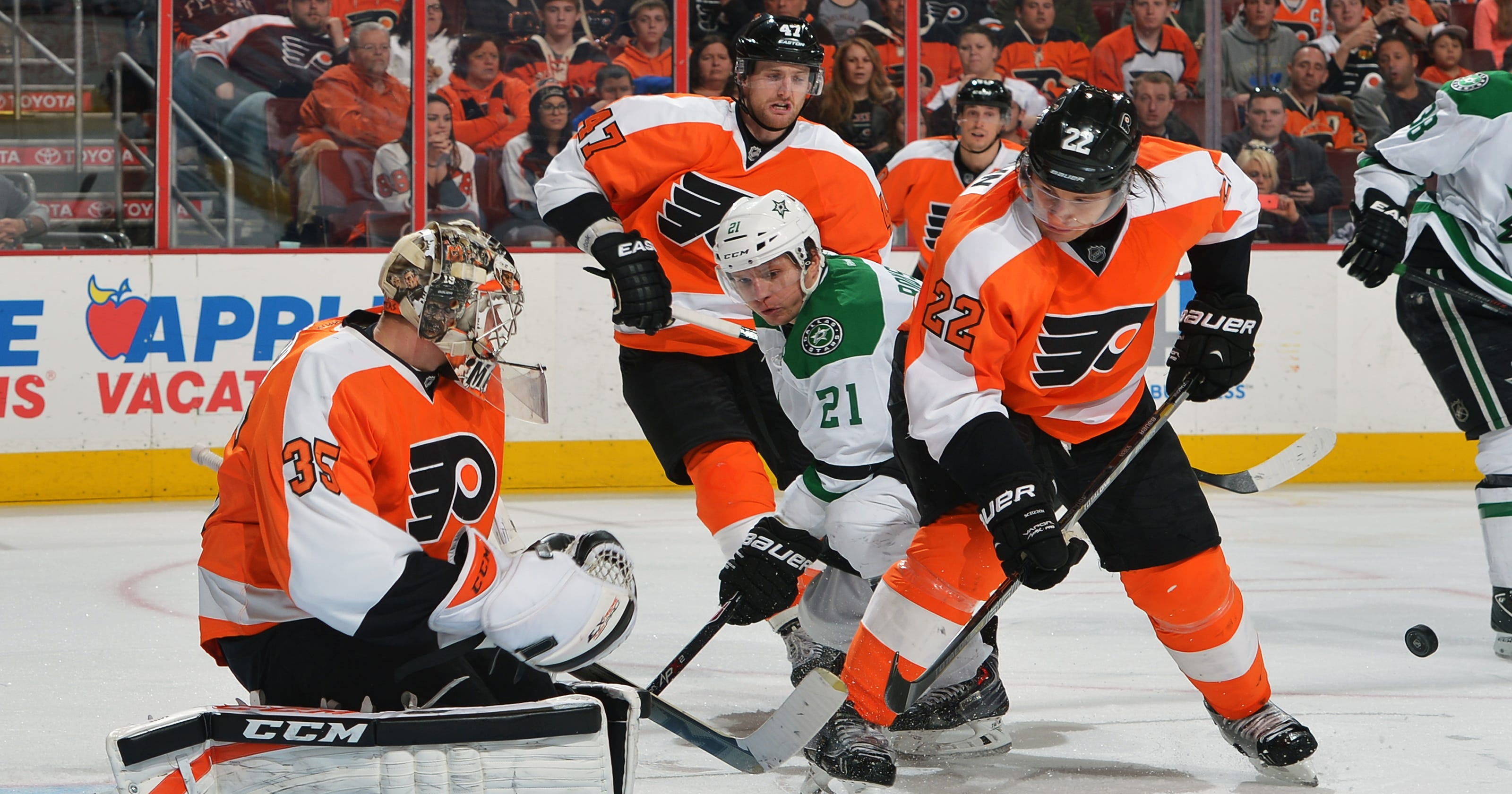 498e550bfd8 NHL Roundup  Flyers streak continues with win over Stars