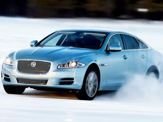 APC-2015-Jaguar-XJ-AWD-sedan