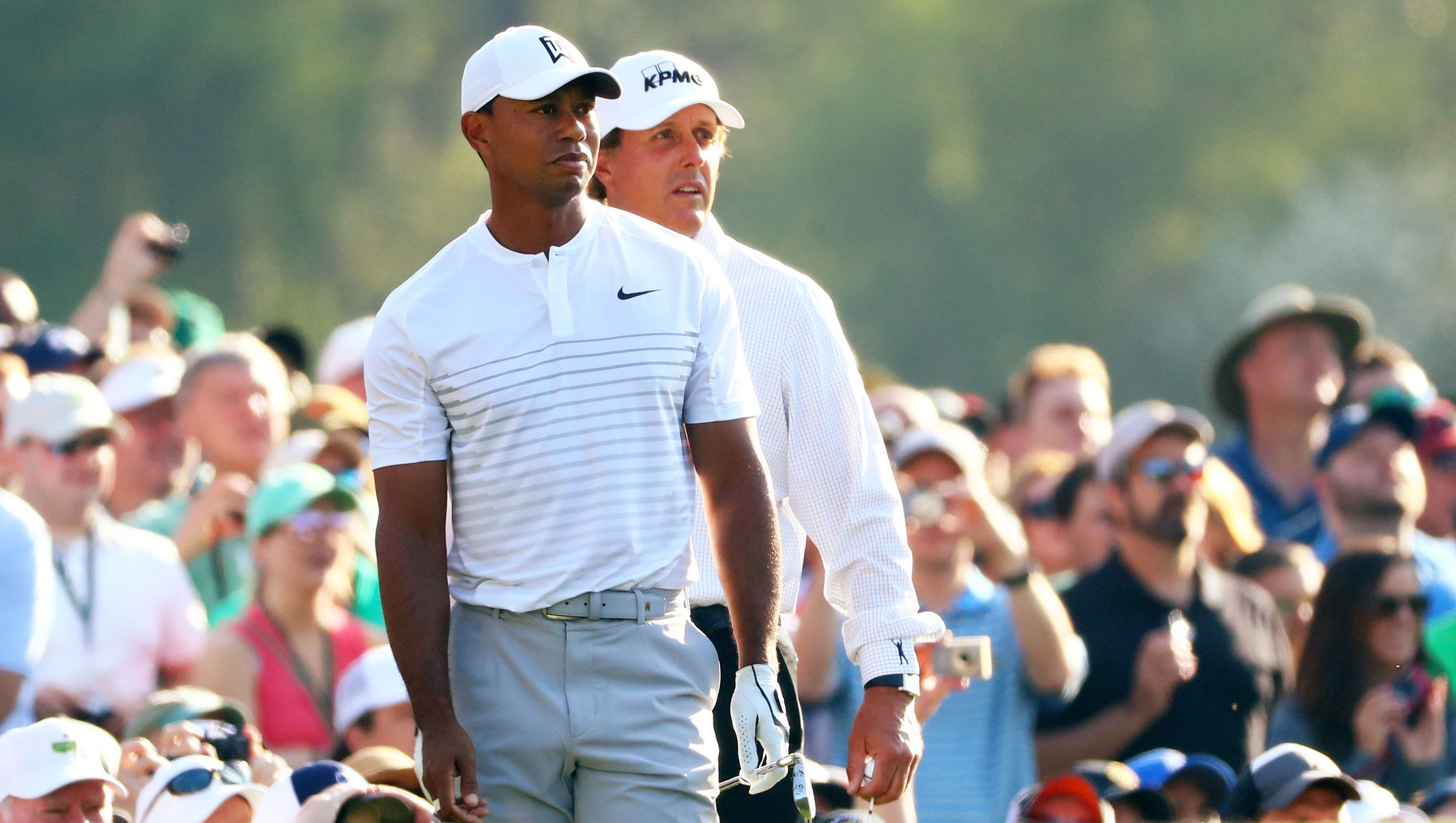masters  tiger woods  phil mickelson put on show during