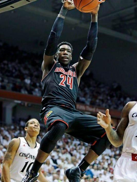 Louisville Cincinnati Basketball (11)