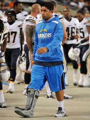 San Diego Chargers inside linebacker Manti Te'o is no longer wearing a walking boot on his injured foot.