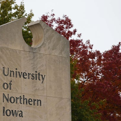 The leaves on the University of Northern Iowa campus
