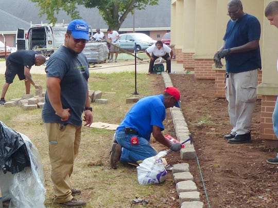 More than 100 Lowe's employees from nine stores in the NY/NJ Metro Market participated in the Lowe's Heroes project.