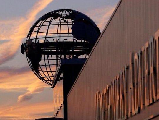 Montgomery Advertiser globe