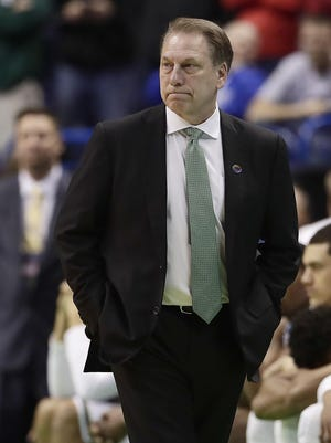Michigan State head coach Tom Izzo watches in the final moments of a first-round men's college basketball game against Middle Tennessee in the NCAA Tournament, Friday, March 18, 2016, in St. Louis. Middle Tennessee won 90-81. (AP Photo/Charlie Riedel)