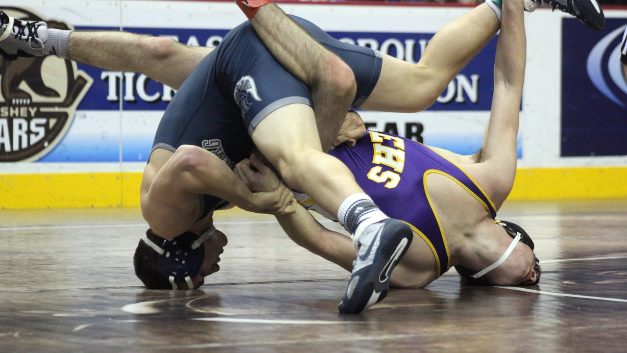 Watch: Top 5 moves Day 1 - D3-3A Wrestling