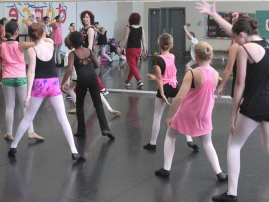 -MON Ballet Workshop 0719_043.jpg_20140720.jpg