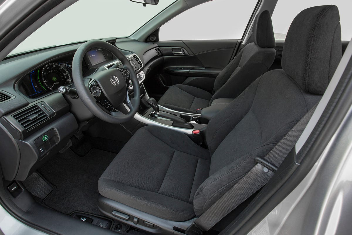 2014_Accord_Hybrid_004. The Interior Of The 2014 Accord Hybrid Is Typical  Honda ...