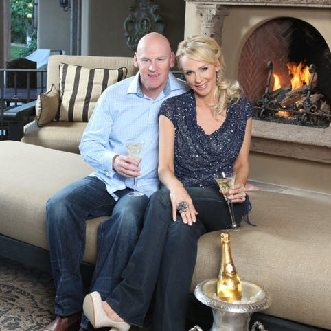 Washington Nationals general manager Matt Williams and his wife Erika Monroe Williams will take on the monumental task of hosting 500 guests at their Phoenix-area house in a Super Bowl party that aims to raise $1 million for charity.