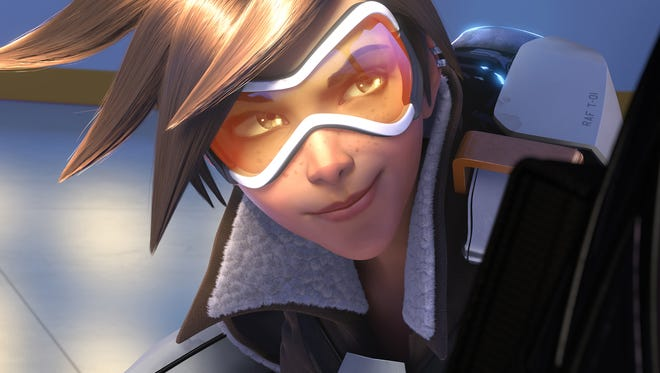 Tracer is the first Overwatch Hero to enter Heroes of the Storm.