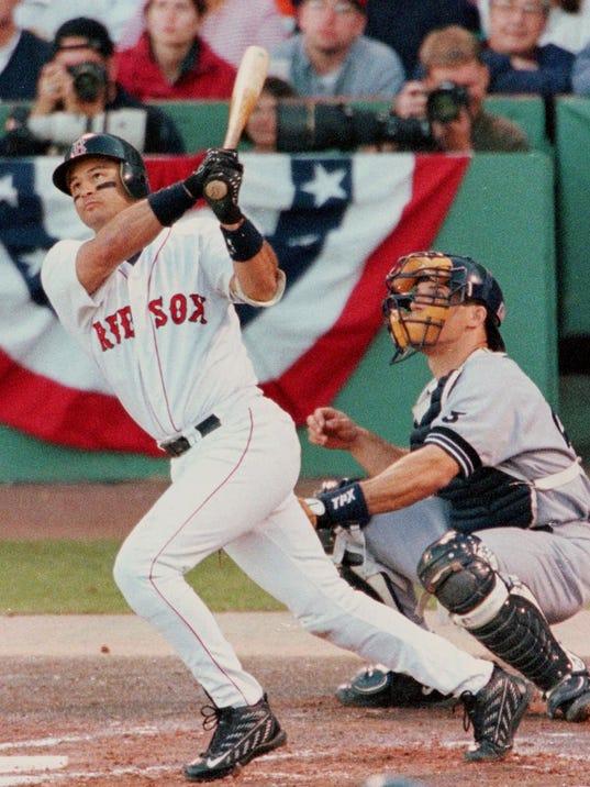 Former Red Sox Infielder John Valentin Mom Injured In Car Crash