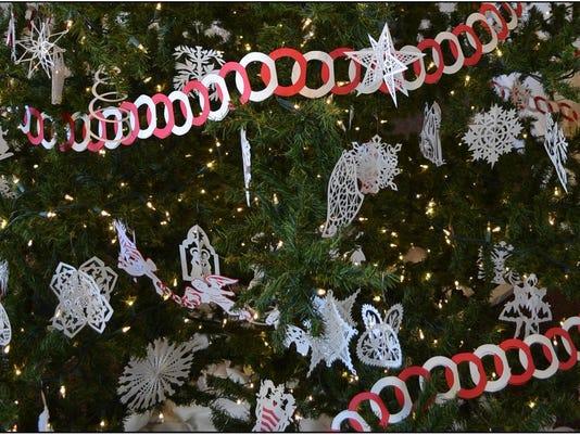 Christmas Tree Scherenschnitte