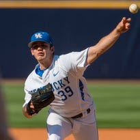 Kentucky pitcher Zach Logue (39) pitches in the first inning against Alabama in the first round of the Southeastern Conference NCAA college baseball tournament in Hoover, Ala., Tuesday, May 24, 2016. (Vasha Hunt/AL.com via AP) MANDATORY CREDIT
