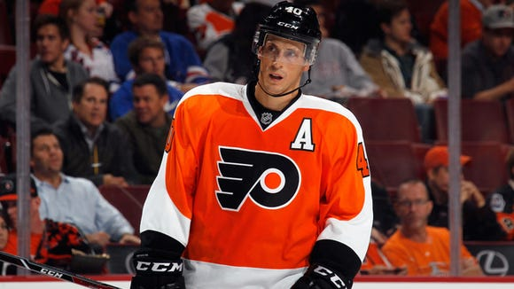 Flyers center Vinny Lecavalier returned a week early from a non-displaced fracture in his lower back. The team has to shuffle the lines again.