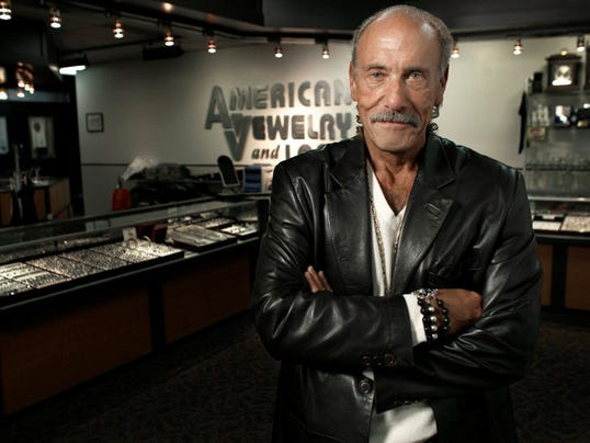 Detroit reality star les gold faces cooking challenge of for American jewelry and loan 8 mile detroit