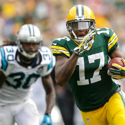 Packers rookie receiver Davante Adams runs to the end