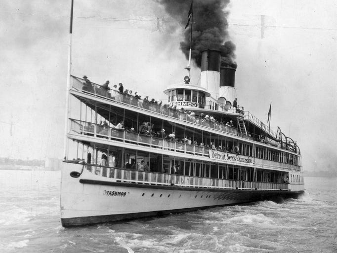 The SS Tashmoo takes employees of The Detroit News