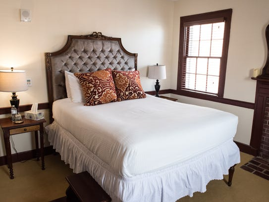 A view of a Heritage Suite at the Washington Inn and