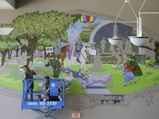 636638982128525599-MAN-Library-Mural-053018-JC004.jpg