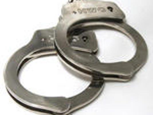 635793727961004757-handcuff-2