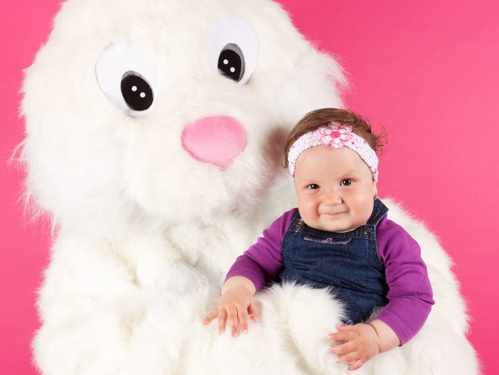 We know where to get photos with the Easter bunny in