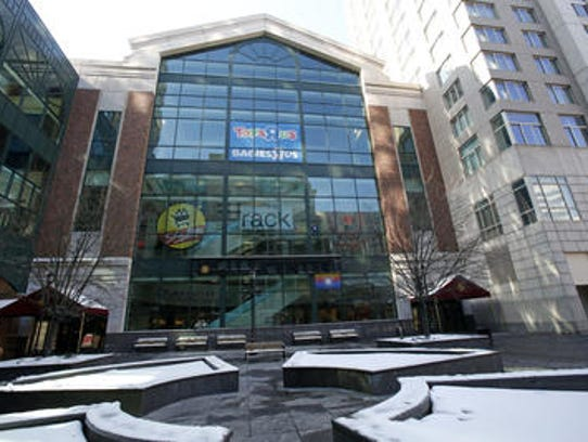 Pedestrian plaza at the White Plains City Center.