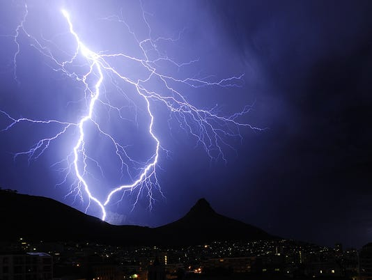 636551574628093207-Lightning.jpg