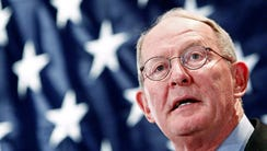 Sen. Lamar Alexander, R-Tenn. speaks to supporters,