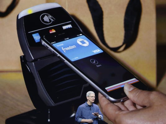apple-pay-tim-cook.jpeg