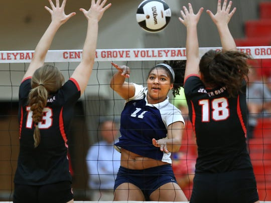 Cathedral's Nia Robinson (center)