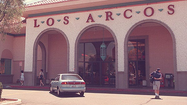 The Los Arcos Mall in Scottsdale in 1998.