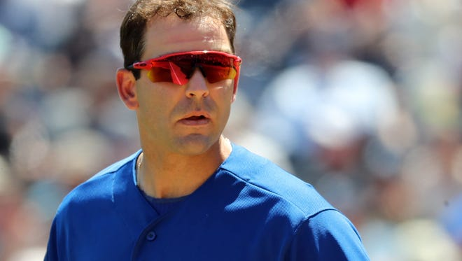 Danny Espinosa signed with the Phillies on Friday.
